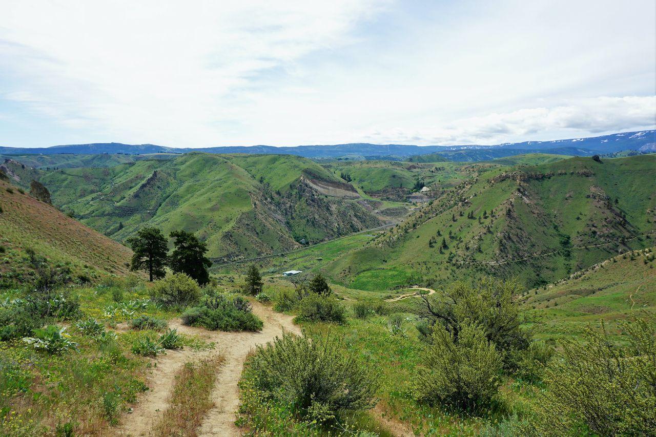 washington-hikes-Saddle-Rock-Trail-Wenatchee-1520497991,  urban hiking trails