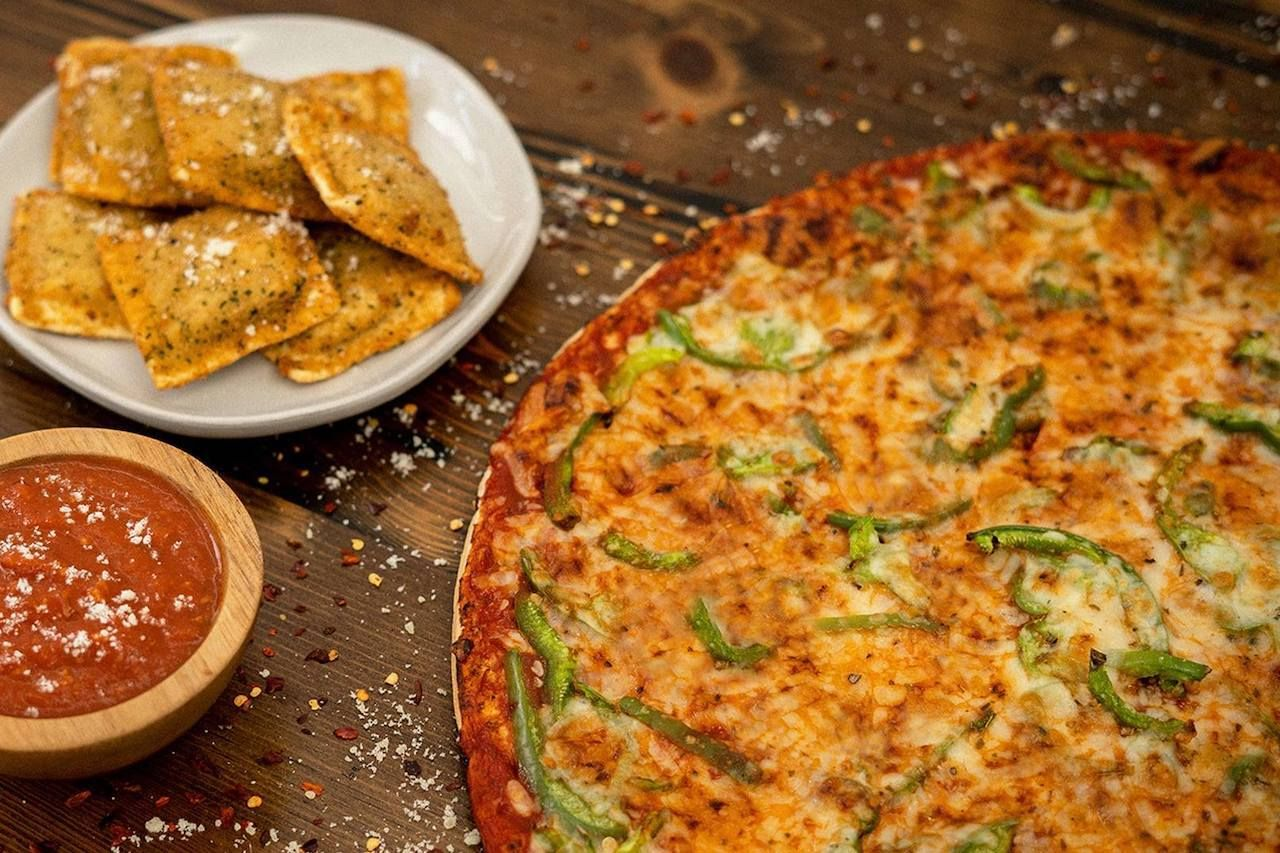 where-to-try-st-louis-style-pizza-facebook, St. Louis-style pizza