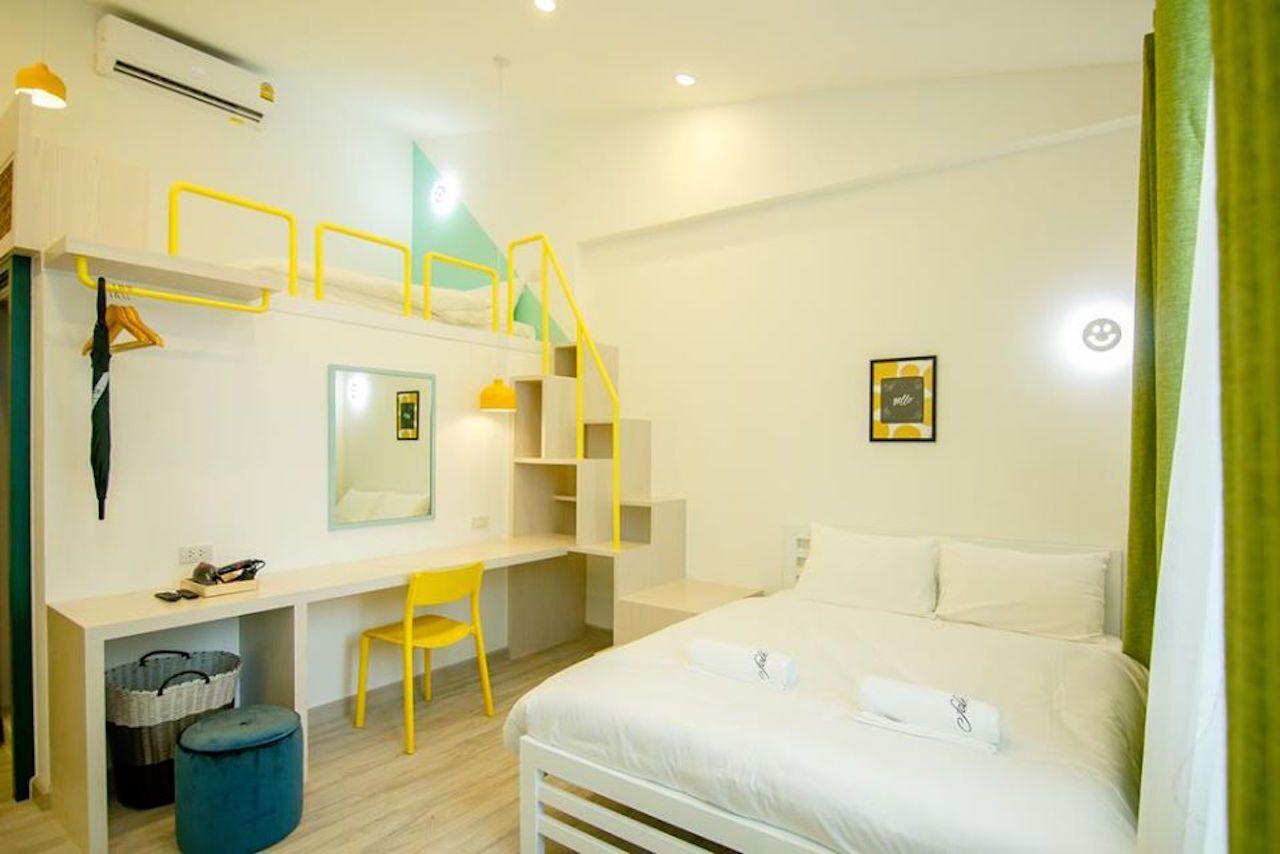 Accommodation-in-Bangkok-Hostel-Folk-Poshtel-Asoke