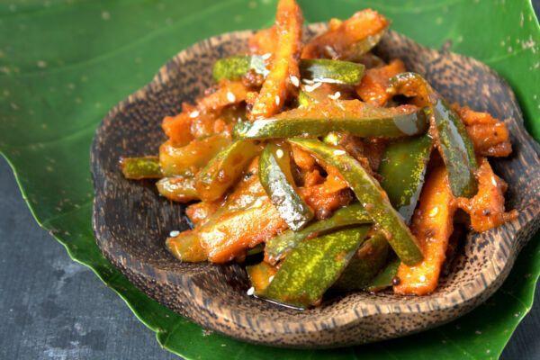 Asian-pickles-Malaysia-Acar-nenas-dan-timun-321680969