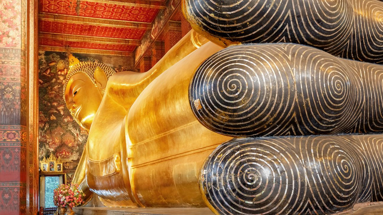 The Reclining Buddha at Wat Pho (Pho Temple) in Bangkok, bangkok art and culture