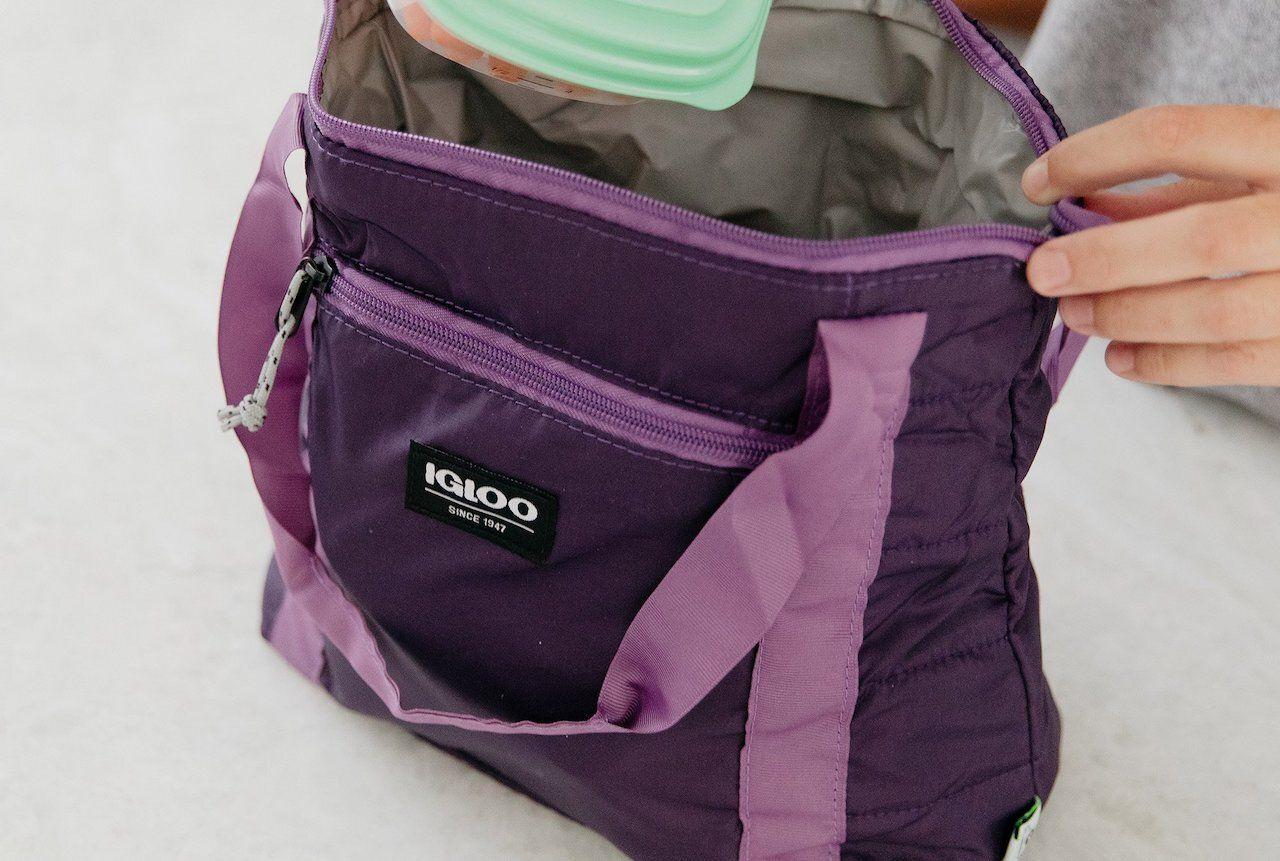 Beach-essentials-igloo-packable-puffer-cooler,beach essentials