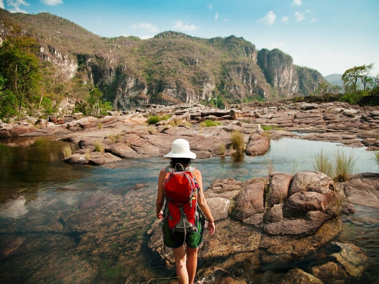 Girl,On,A,Hike,Trough,The,Rivers,And,The,Mountains, Chapada dos Veadeiros