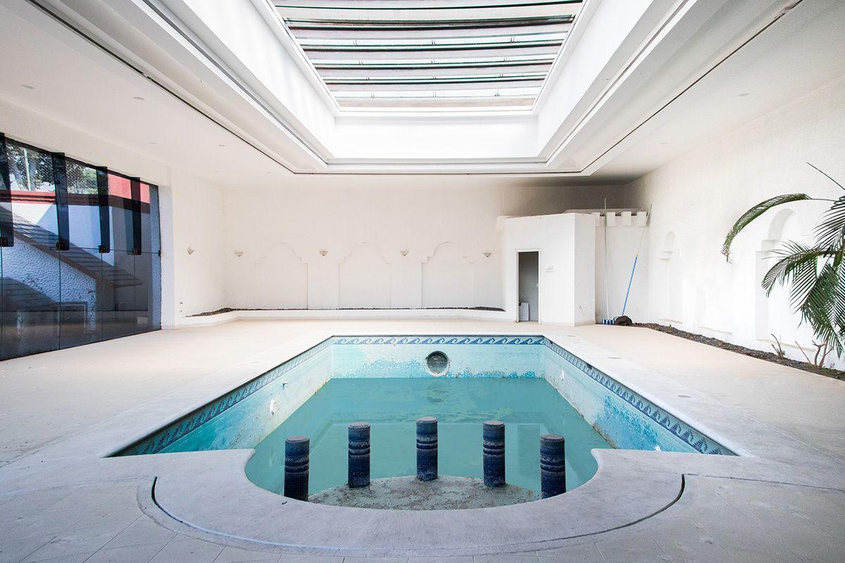 El-Chapo-Cocaine-House-indoors-pool-Mexico-LOttery