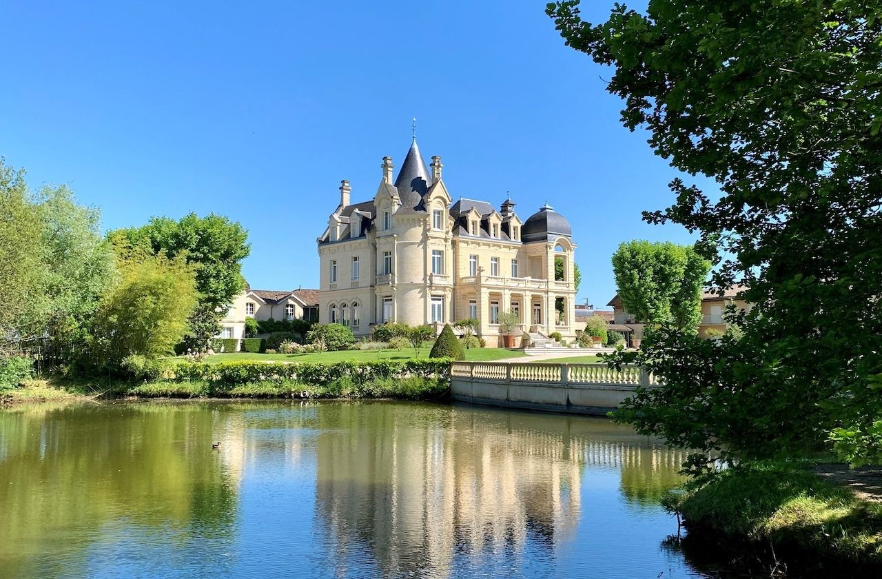 French-castle-Chateau-Hotel-Grand-Barrail,  French castle