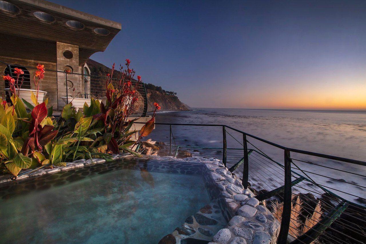 Hot-springs-in-California-Esalen, Hot springs in California