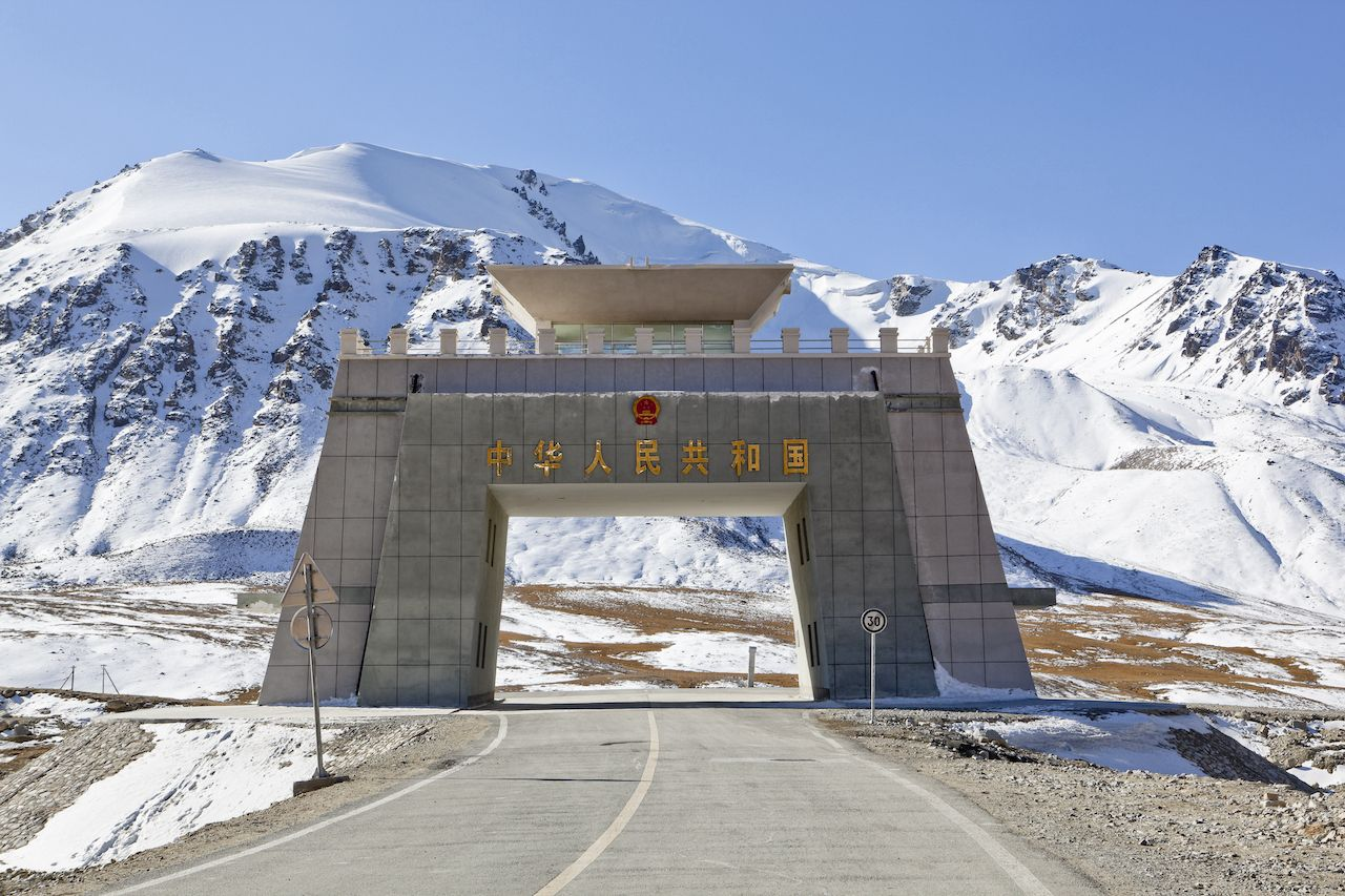 Karakoram-Highway-Khunjerab-Pass-105283235