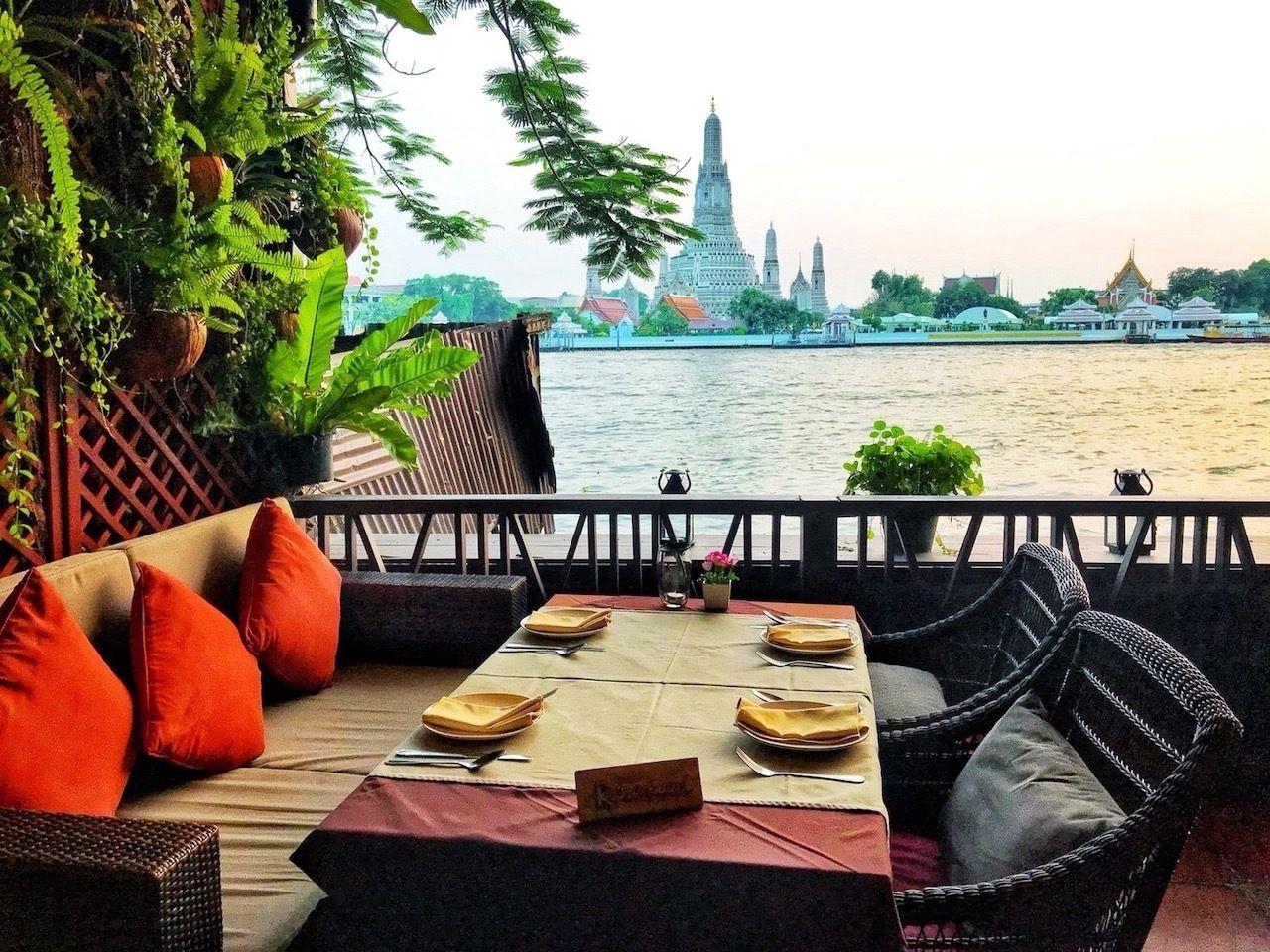One-day-in-Bangkok-Eagles-Nest-restaurant-Wat-Arun