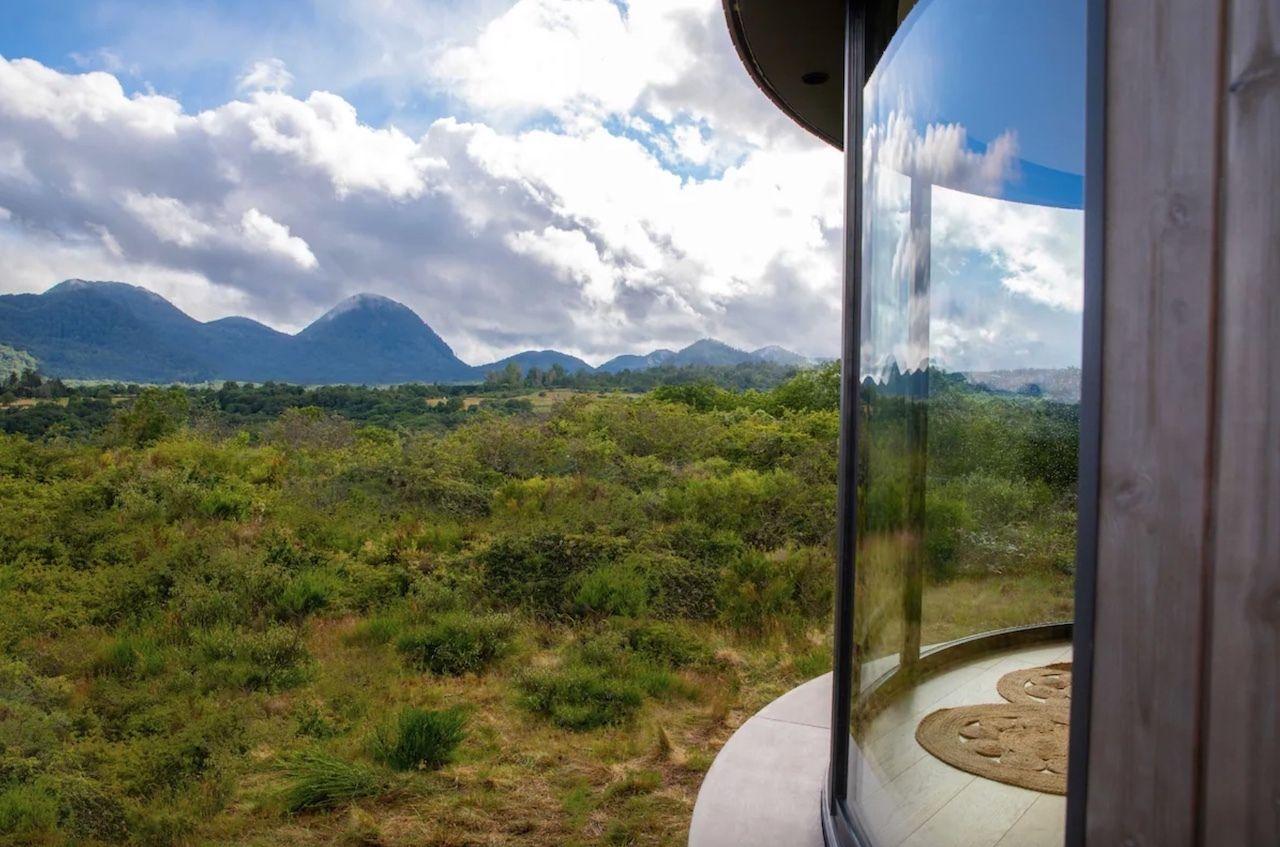 Tiny house Airbnb volcanoes, panoramic windows
