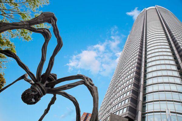 Tokyo neighborhoods-Roppongi-424147705