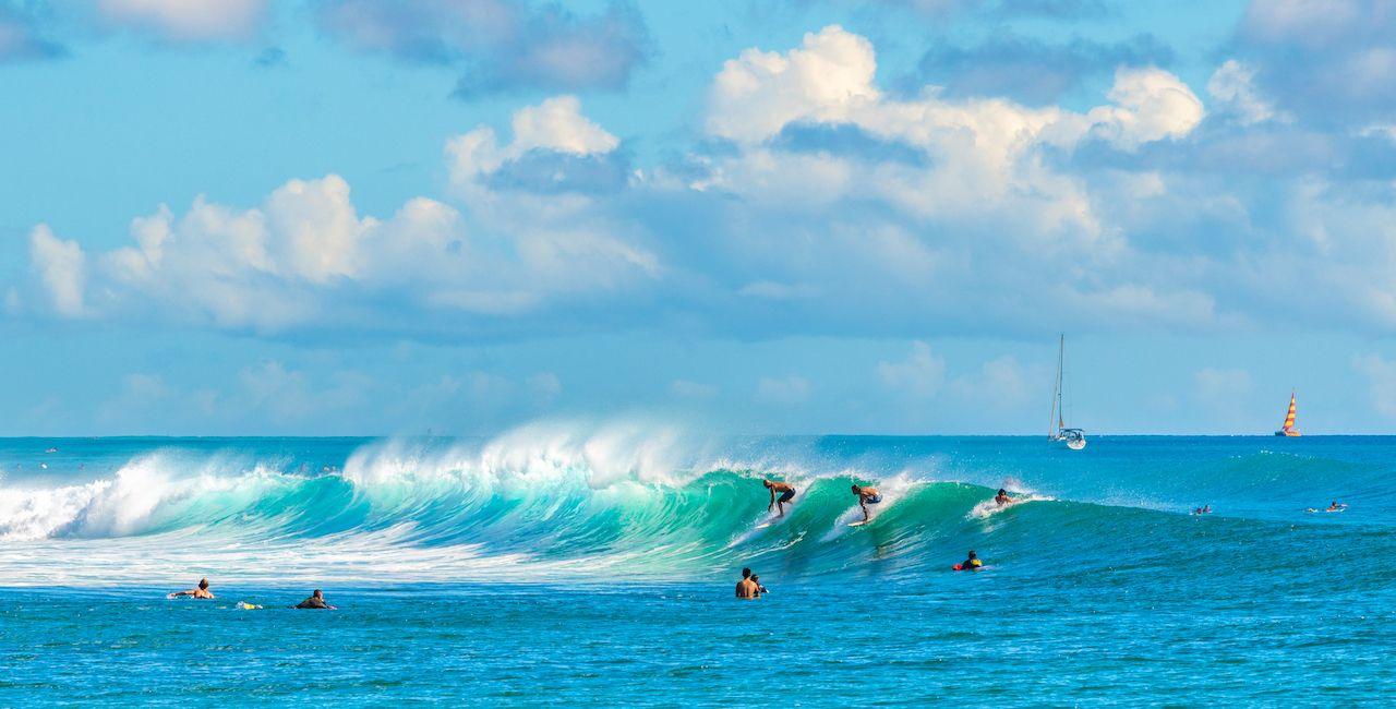 Honolulu,,Hawaii,,Usa,-,October,21,,2018:,Surfers,At,The, US Olympic surf team