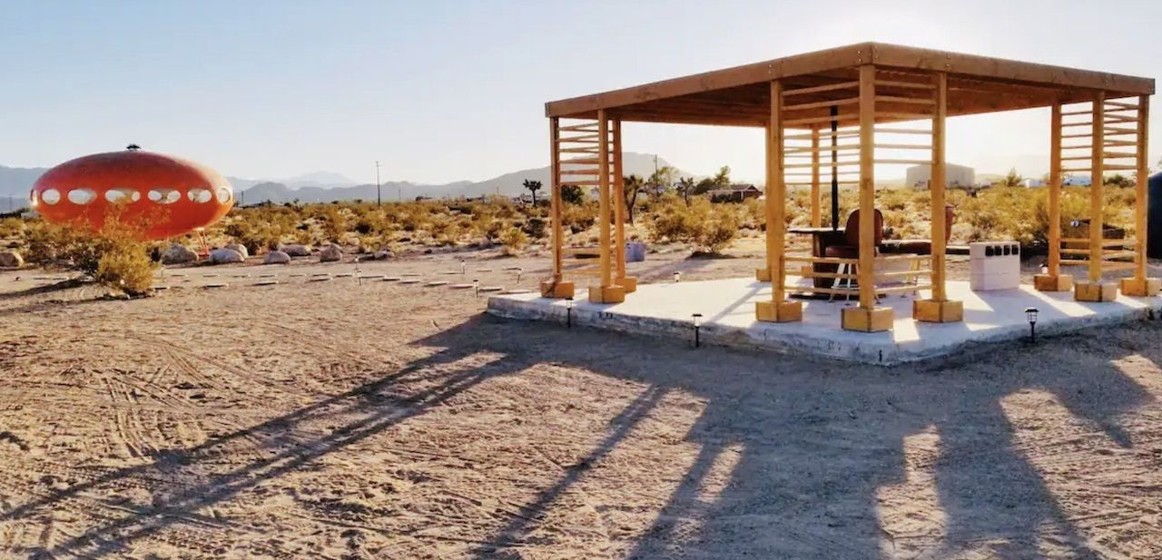 flying saucer, Joshua Tree Airbnbs
