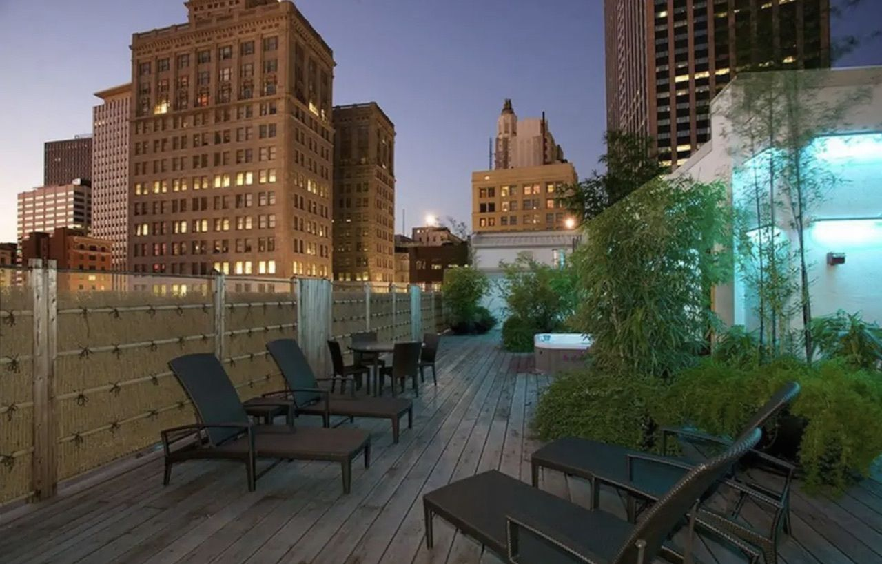Modern downtown apartment with epic rooftop patio, New Orleans Airbnbs