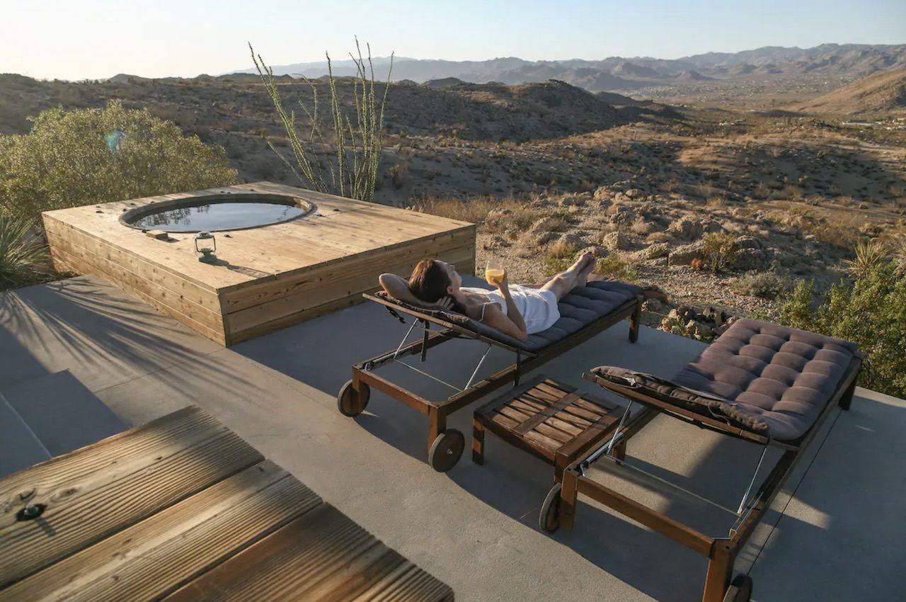 Joshua Tree green house with hot tub, Joshua tree airbnbs