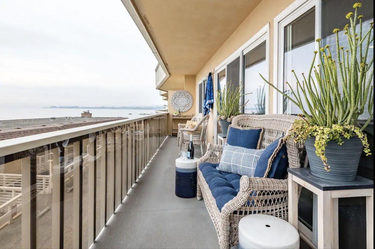 santa-cruz-oceanfront-airbnbs-in-california, Oceanfront Airbnbs in California