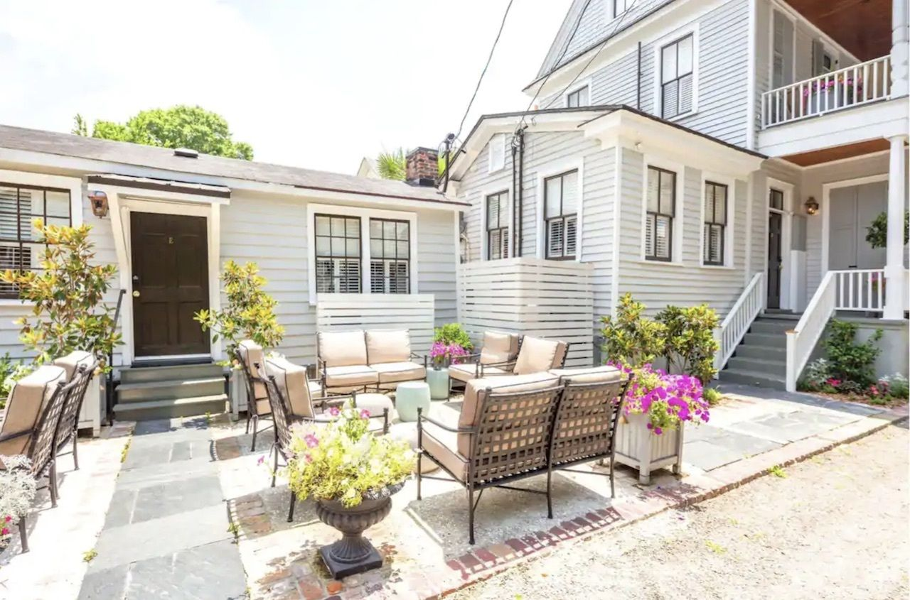 Spring Street luxury apartment, charleston airbnbs