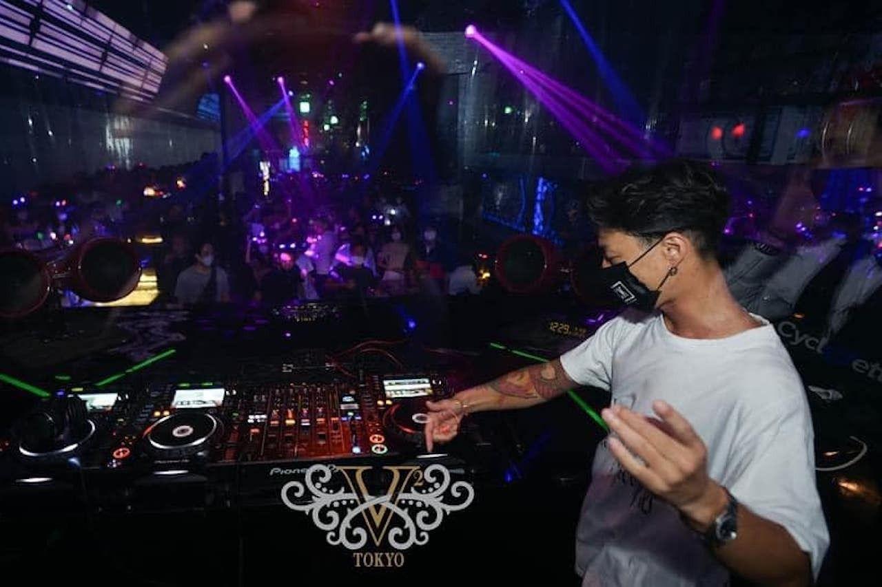 v2-nightclub-tokyo-1590459251138730, Tokyo bars
