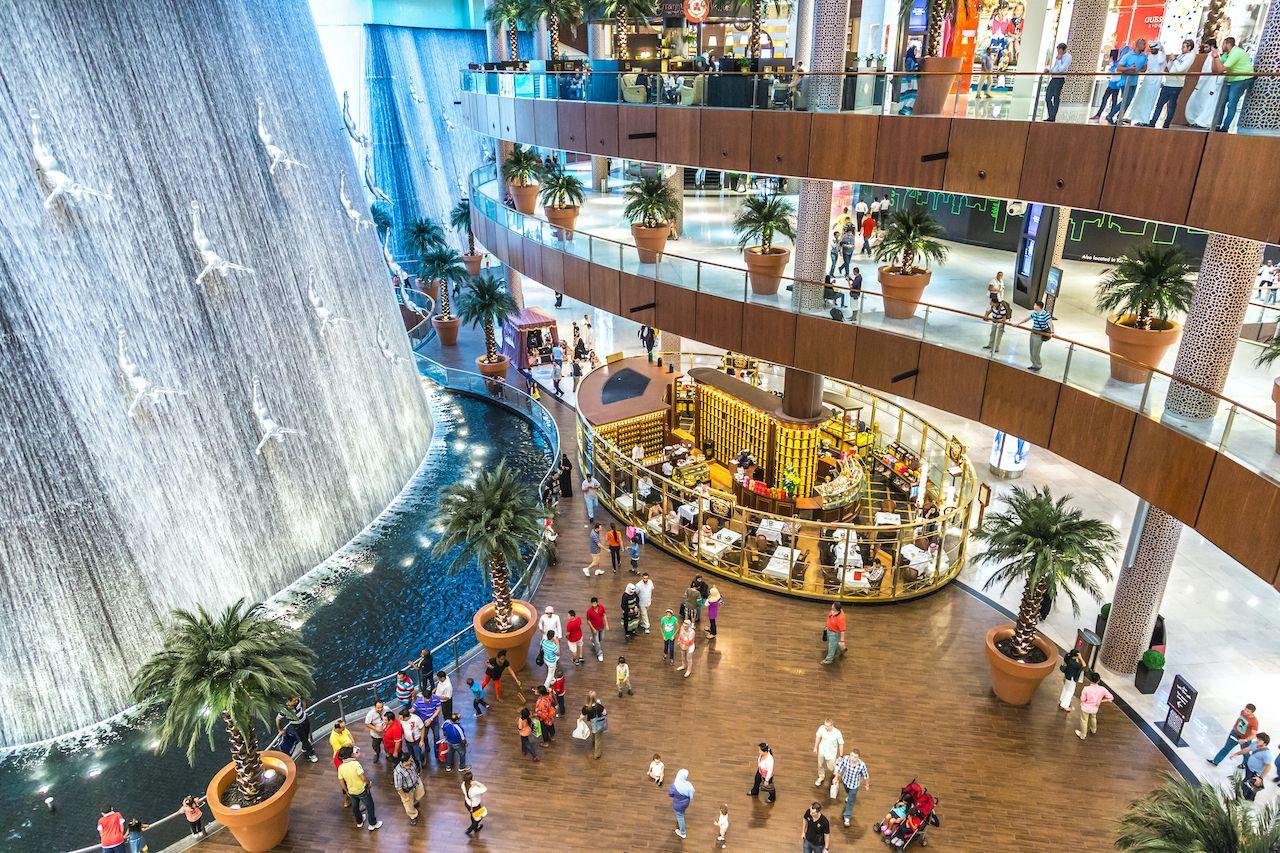 Dubai,,Uae,-,October,1:,Waterfall,In,Dubai,Mall,-,  week in Dubai