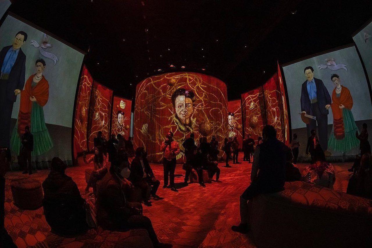 Frida- La Experiencia-Inmersiva-exhibition-Light-show