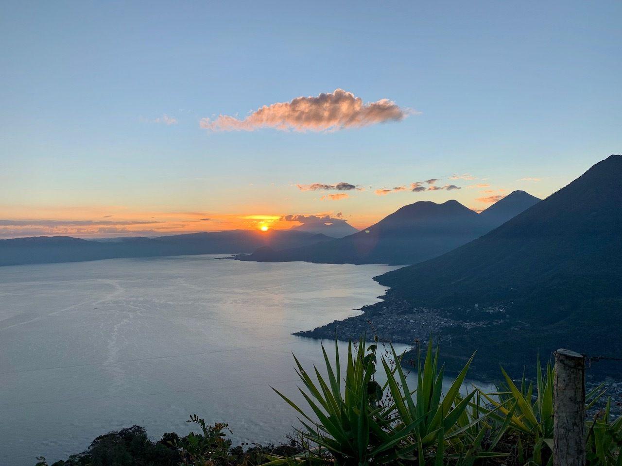 Lake-Atitlan-Sunrise-hike-Indian-Nose