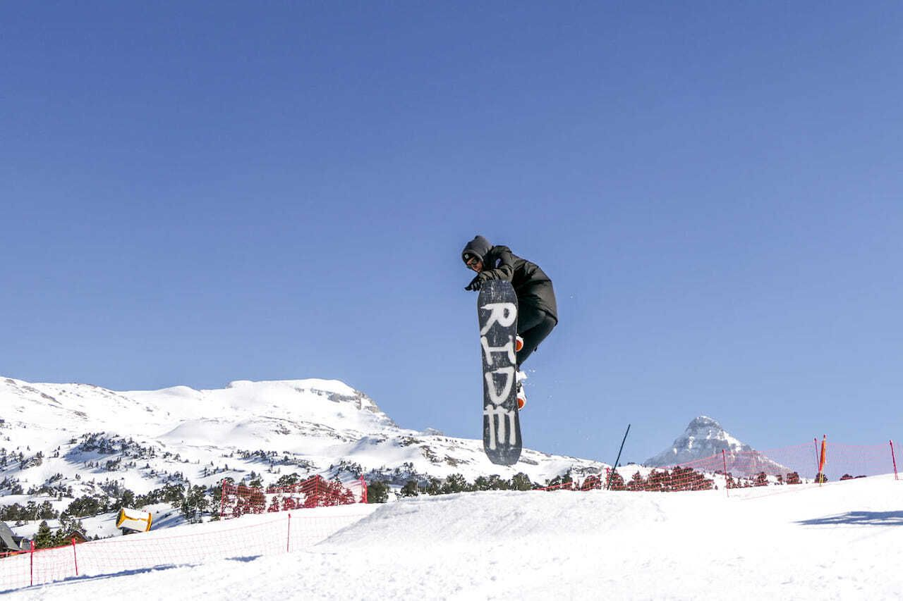 Surf-and-ski-on-the-same-day-Biarritz-France-Snow, Surf and ski on the same day