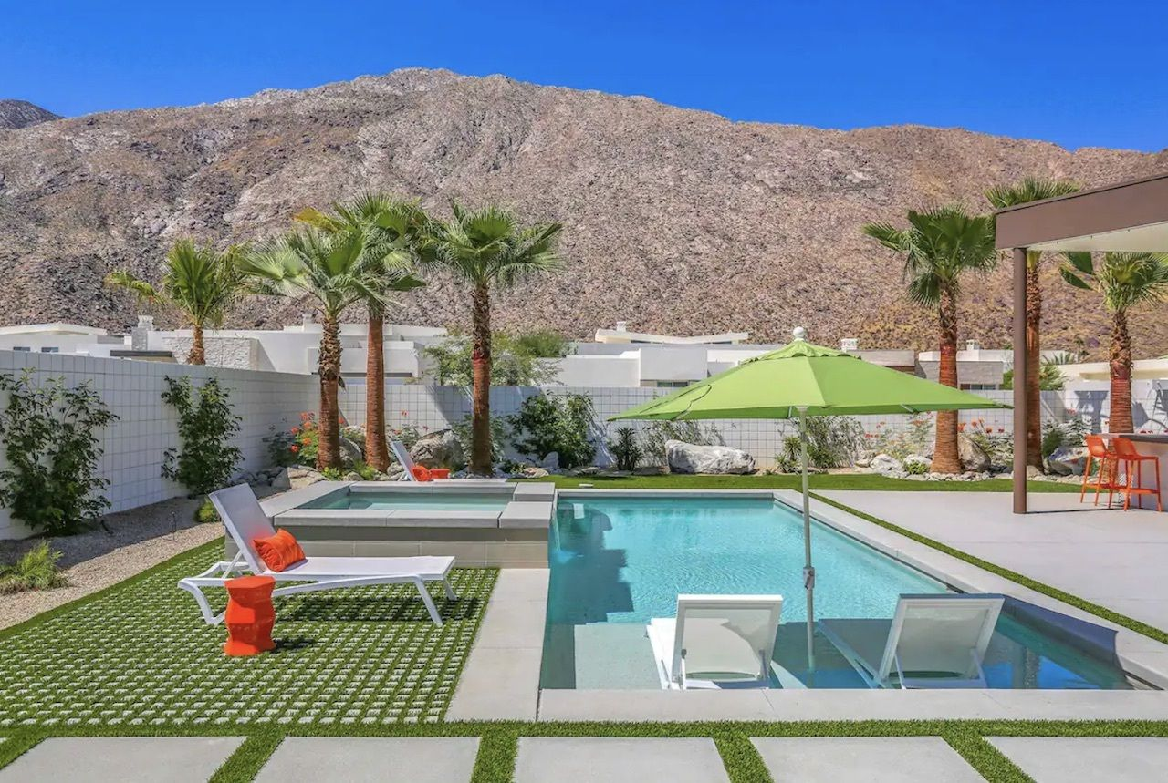 blue-sky-modern-bachelorette-palm-springs-airbnbs