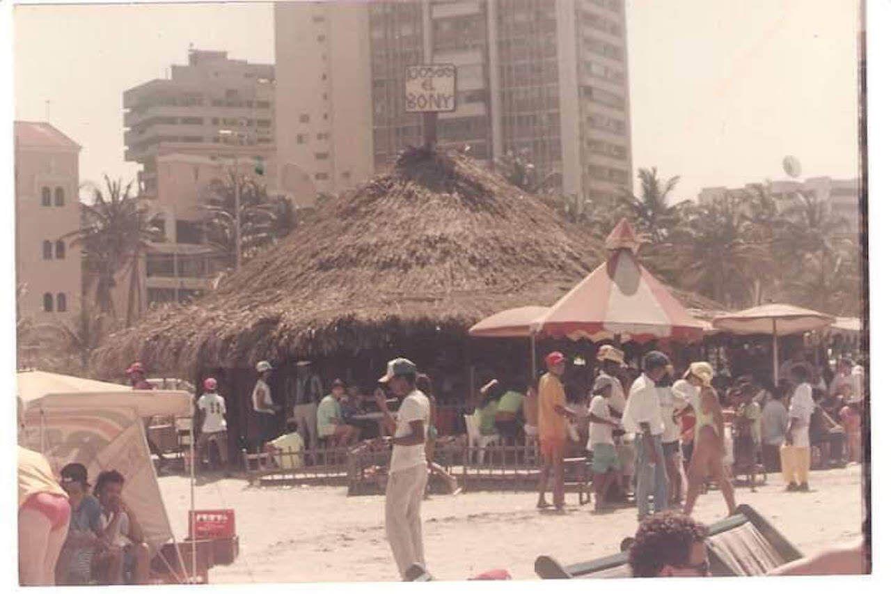 bony-in-cartagena-1980