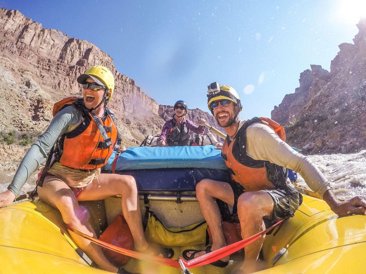 cataract-canyon-rafting-rapids-close-up-fun