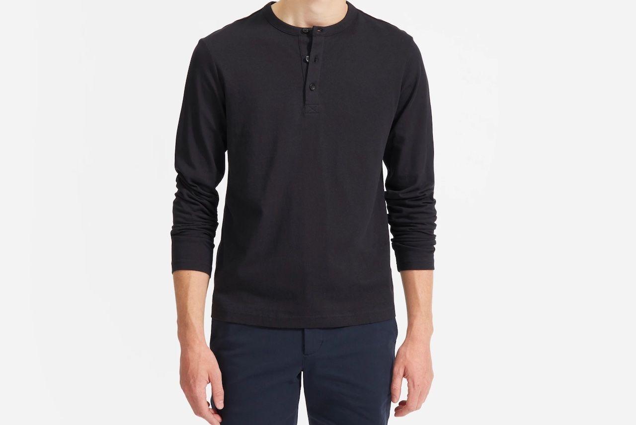 comfortable travel clothes Men Everlane black henley shirt