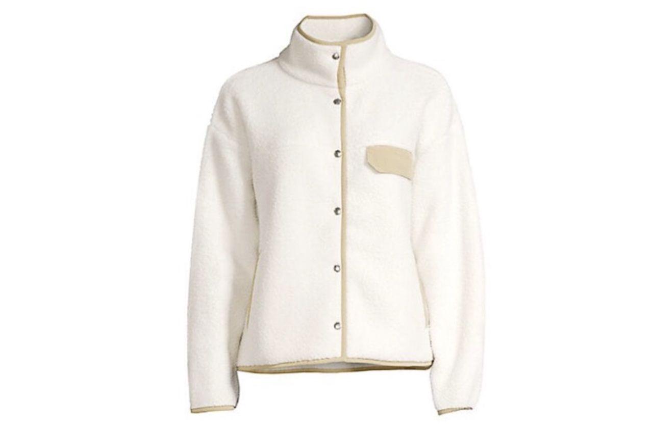 comfortable travel clothes Women North Face fleece jacket