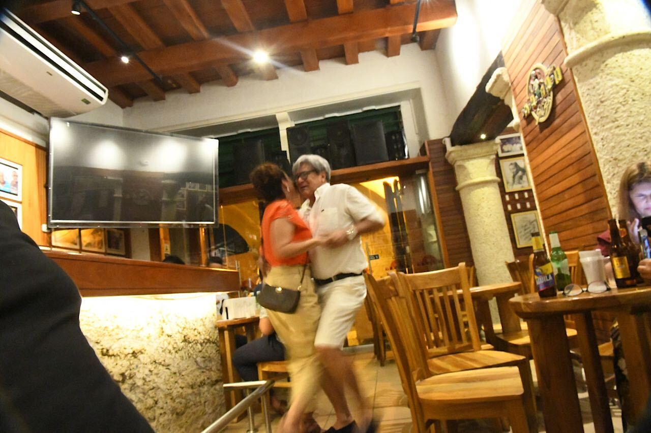 couple-dancing-donde-Fidel