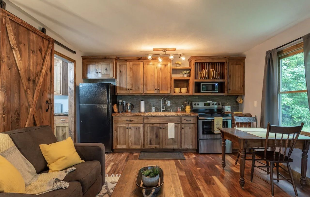 cozy-cabin-retreat-most-wishlisted-midwest-airbnbs