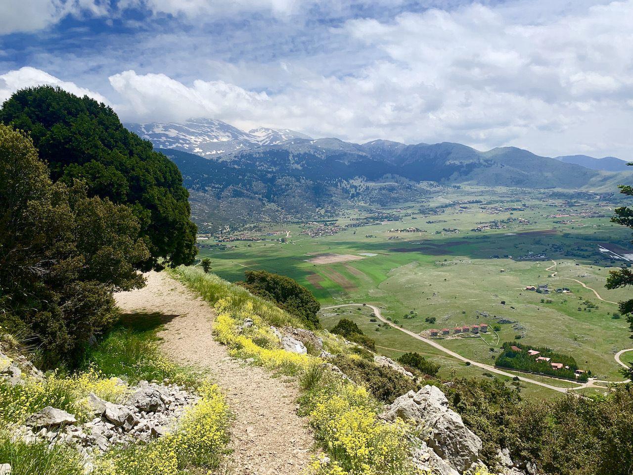 hiking-in-delphi-mt-parnassus