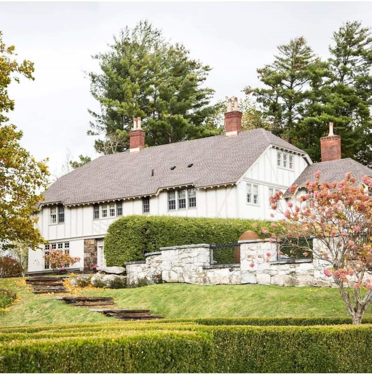 Here's how you can stay at Real Housewife Dorinda Medley's Berkshire manor