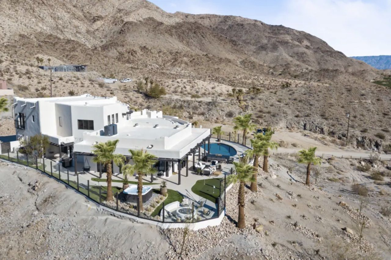 the-summit-bachelorette-palm-springs-airbnbs