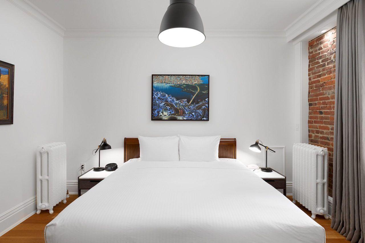 victorian-hotel-room-vancouver-hotel-deals