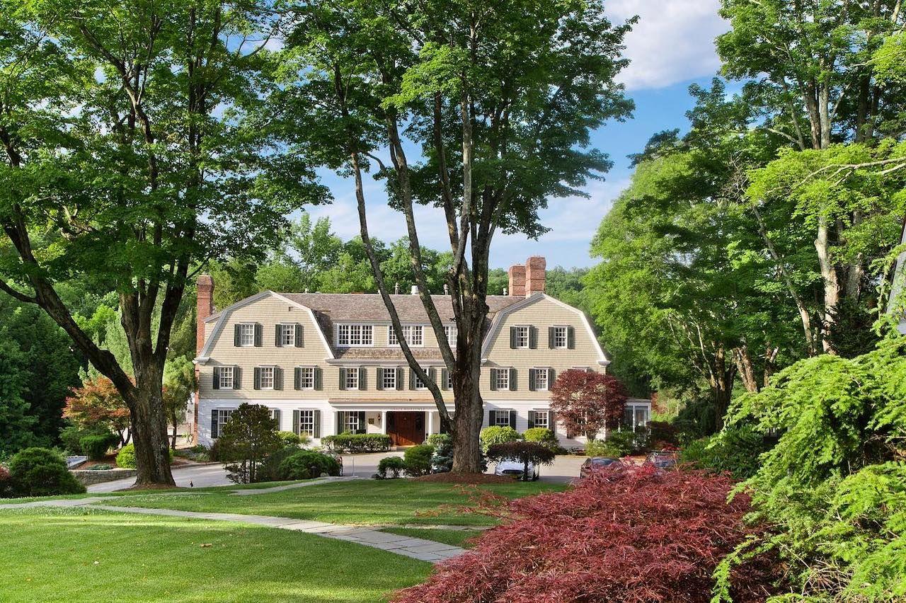 Mayflower Inn and Spa, Connecticut, in the fall season
