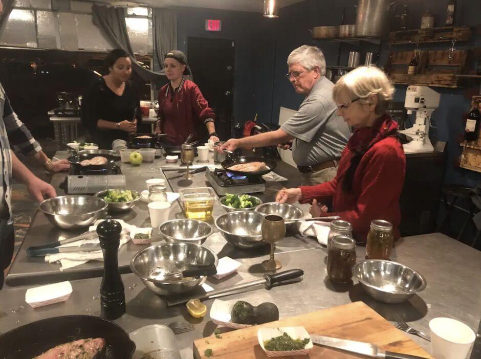 chef rashaad spears atlanta-southern food airbnb experiences.