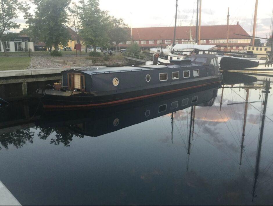 danish houseboat hygge copenhagen airbnbs