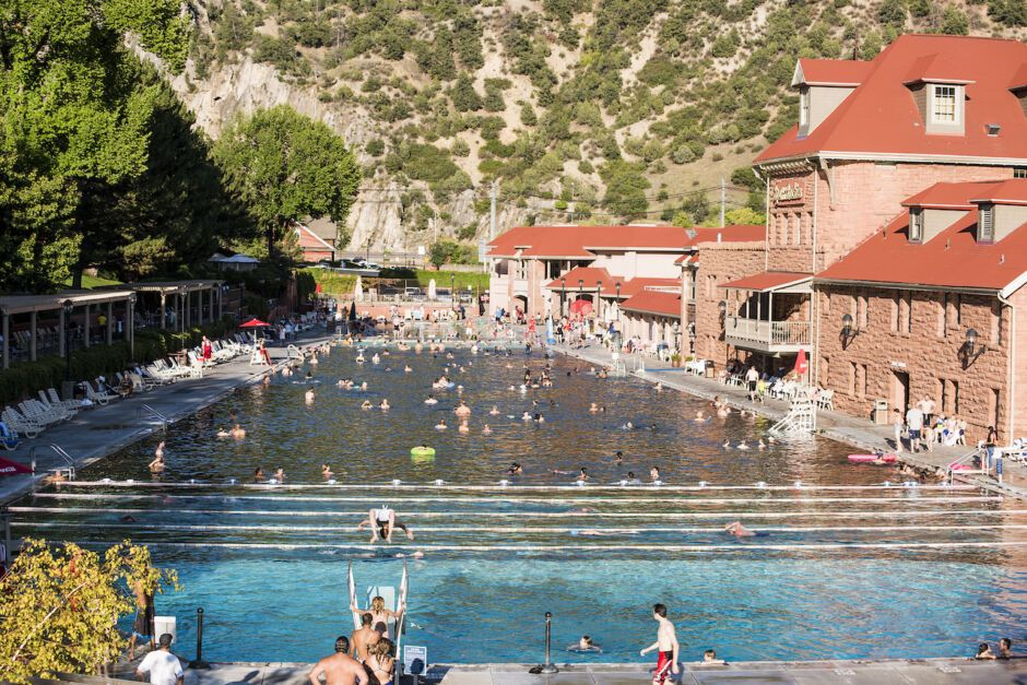 glenwood hot springs rocky mountaineer colorado