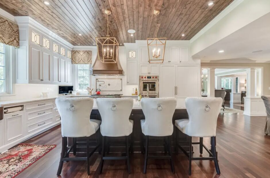 grace manor mequon luxurious milwaukee airbnbs