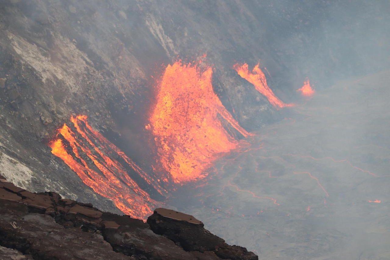 lava in caldera hawaii