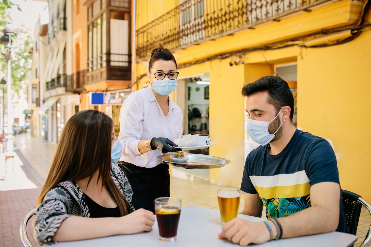 1 in 3 Americans deterred by restaurant mask mandates. Here's where it's already required.