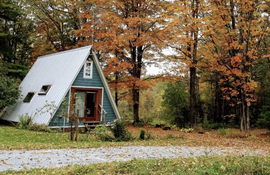 strawberry moon vermont remote new england airbnbs