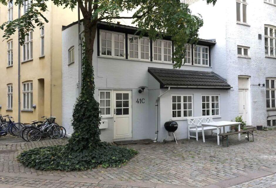 vesterbro oasis hygge copenhagen airbnbs