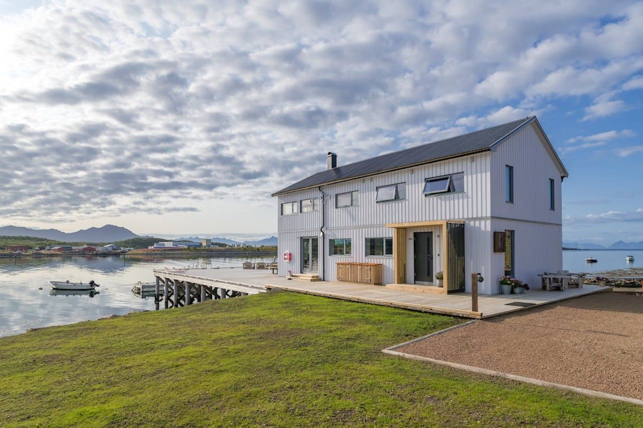 Lofoten Airbnb Home pier